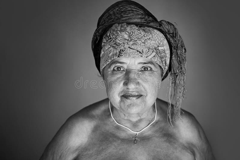 Ritratto della signora anziana fotografia stock libera da diritti