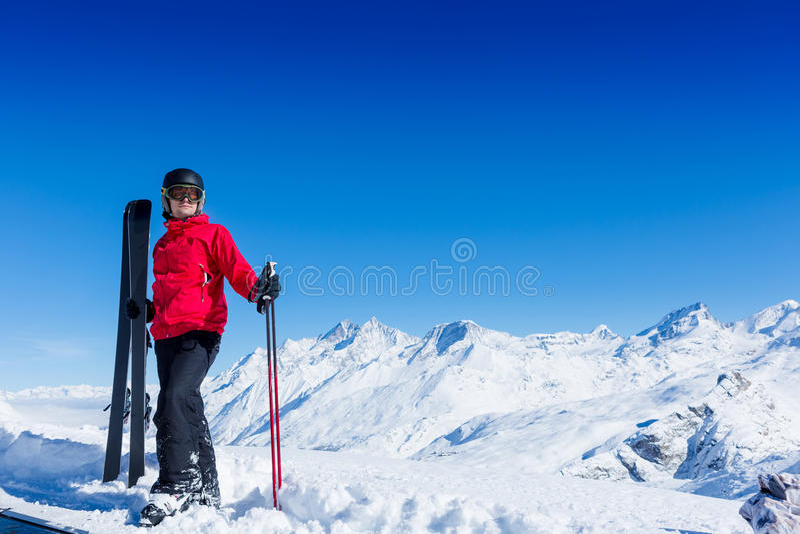 Ritratto dello sciatore maschio immagine stock libera da diritti