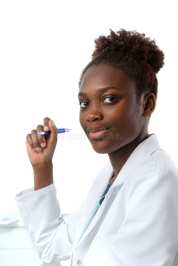 Ritratto dello scienziato africano, medico o o del dottorando immagini stock