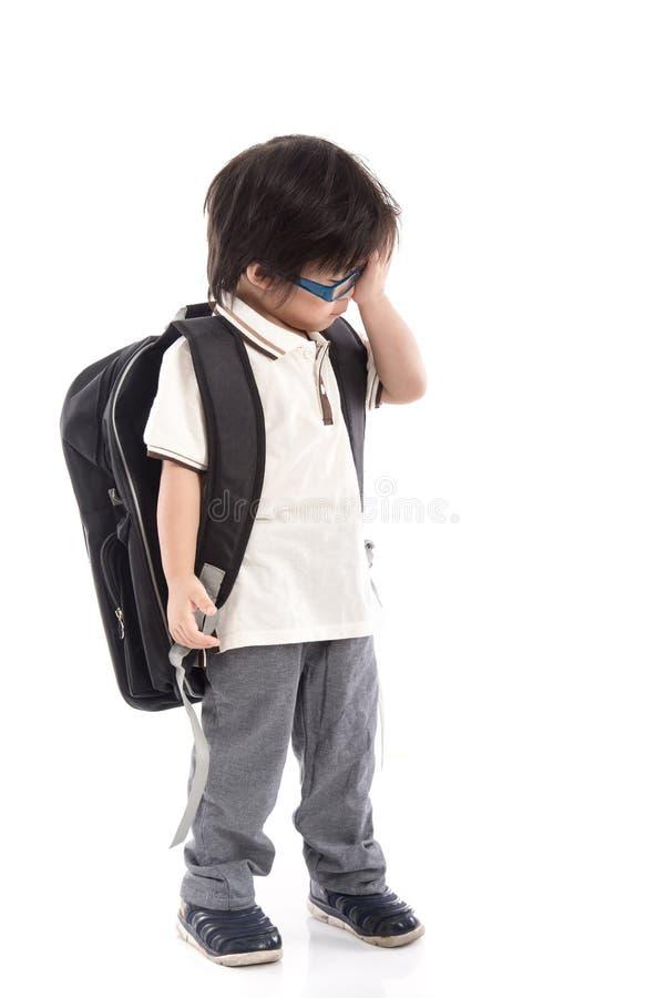 Ritratto dello scolaro asiatico con lo zaino immagine stock libera da diritti