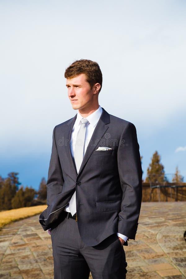 Ritratto dello sposo nell'Oregon centrale fotografia stock libera da diritti