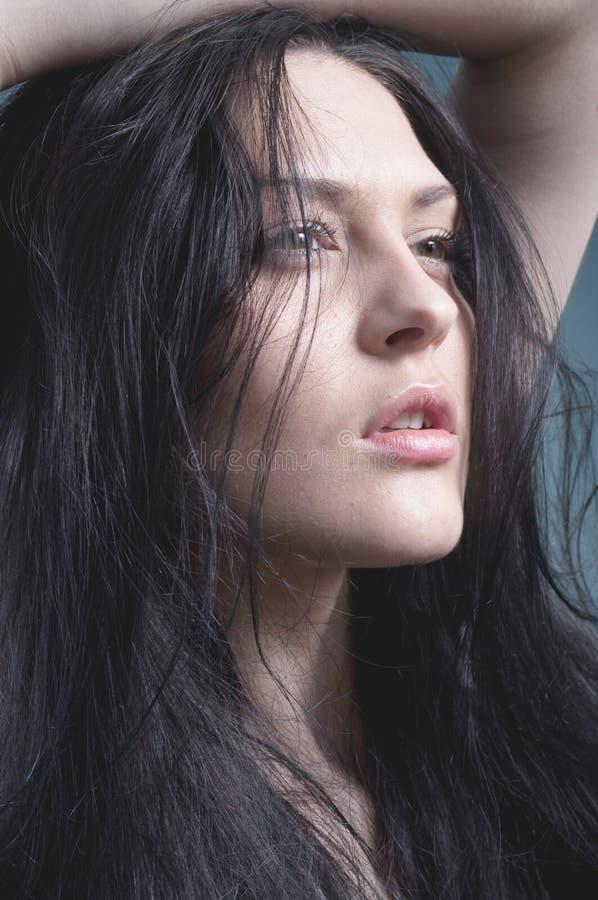 Ritratto dello studio del modello. Pelle naturale. fotografia stock