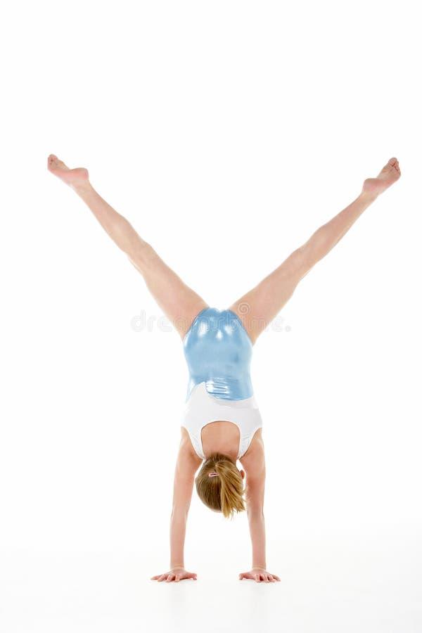 Ritratto dello studio di giovane Gymnast femminile fotografia stock libera da diritti