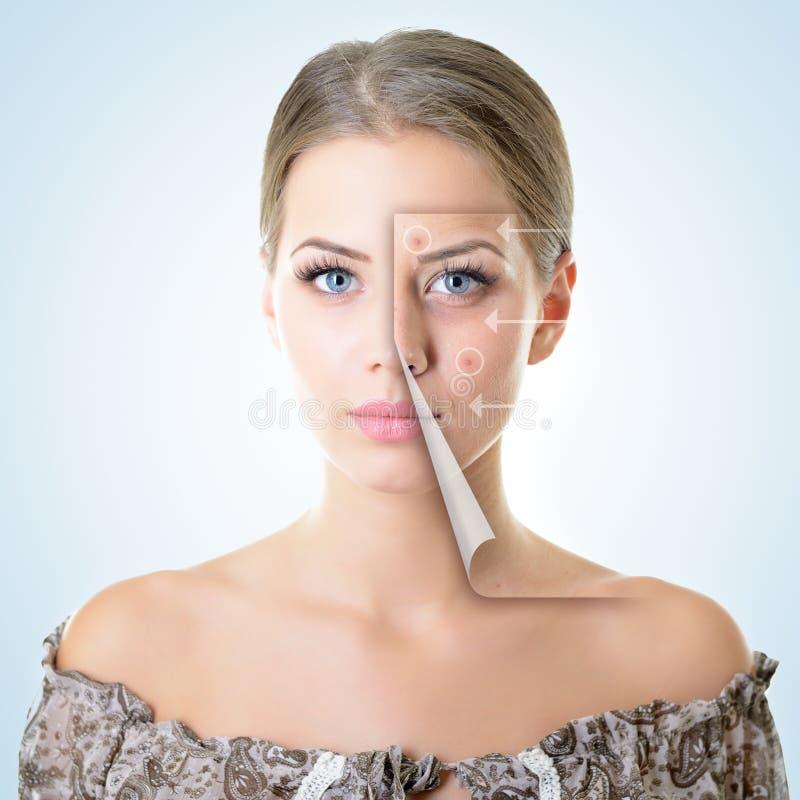Ritratto di bella donna con il problema e la pelle pulita, a invecchiante fotografia stock