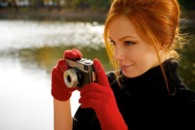 Ritratto di bella donna red-haired immagini stock