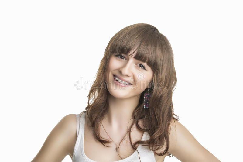Ritratto di bella giovane donna con i sostegni fotografie stock libere da diritti