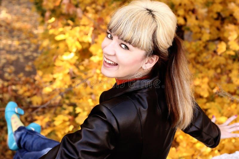 Ritratto di bella ragazza fotografia stock libera da diritti