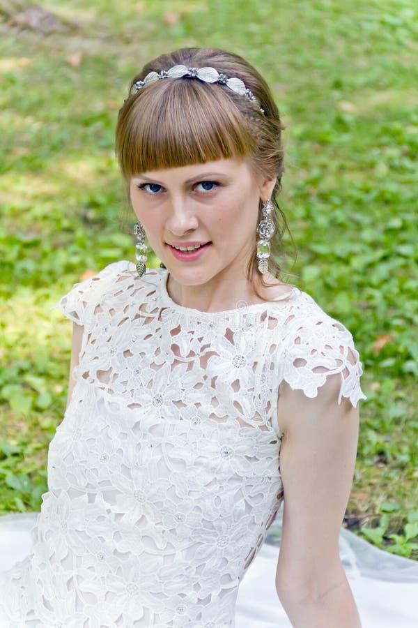 Ritratto di bella ragazza bionda immagini stock libere da diritti