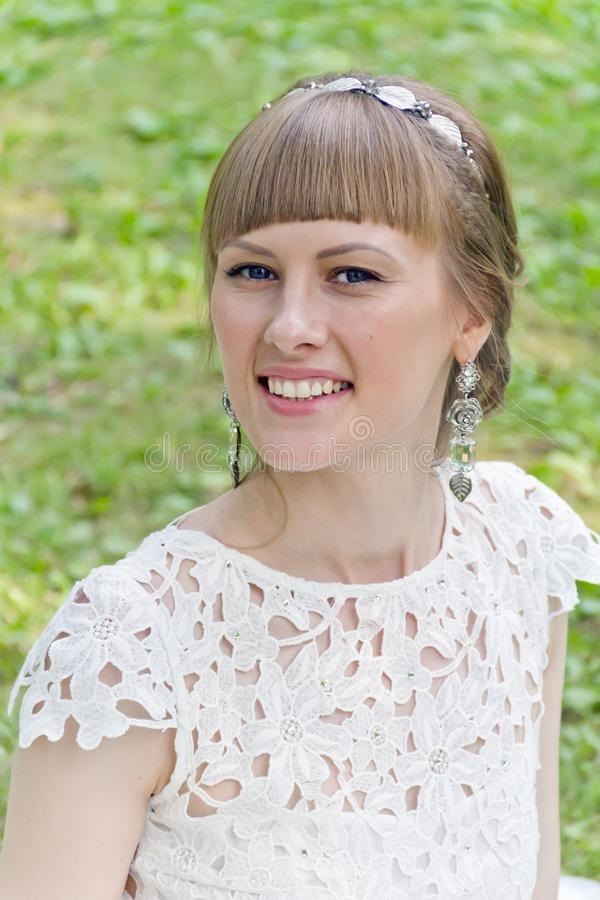 Ritratto di bella ragazza bionda fotografia stock libera da diritti