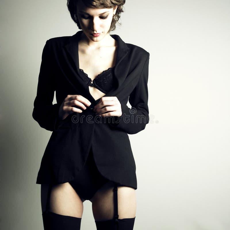 Ritratto di bella signora alla moda fotografie stock
