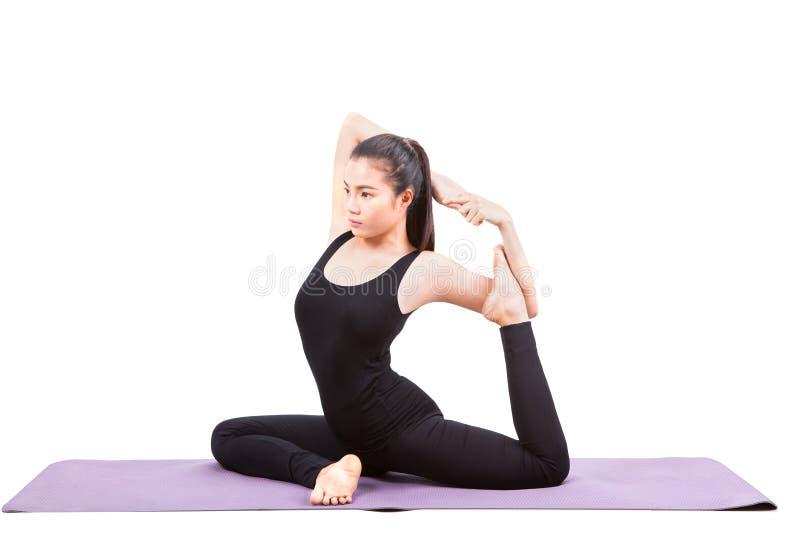 Ritratto di bella yoga asiatica di invio della più giovane donna per healt fotografia stock libera da diritti