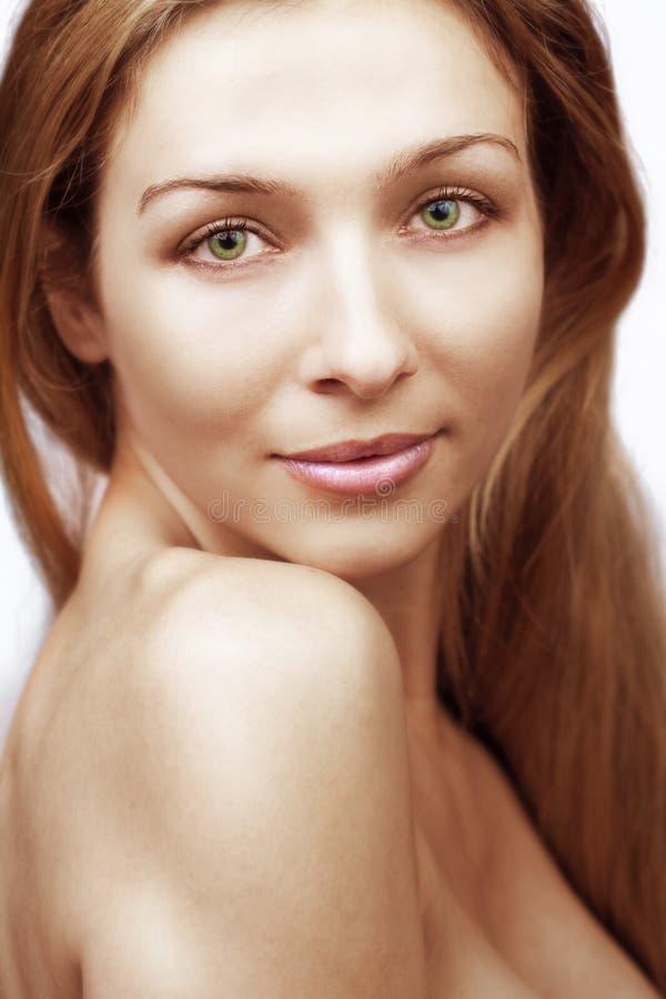 Ritratto di bellezza della donna con la spalla nuda fotografie stock libere da diritti
