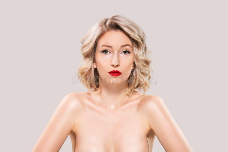 Ritratto di bello modo femminile immagine stock libera da diritti