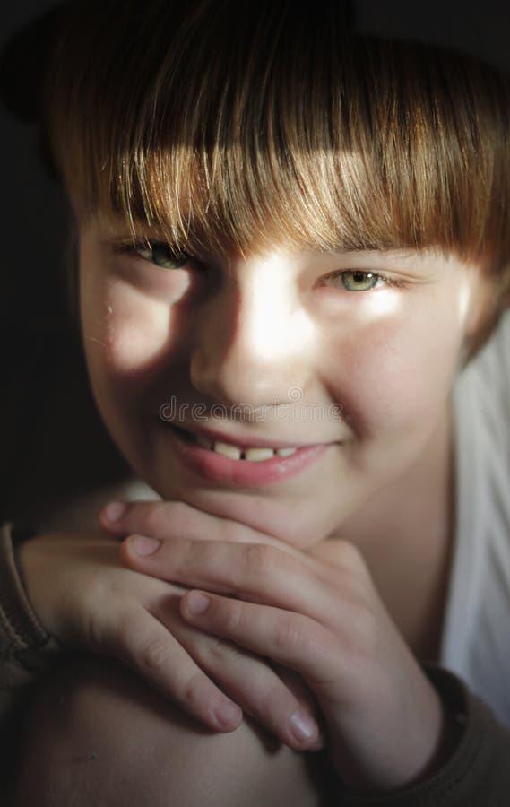 Ritratto di colore del ragazzo adorabile sorridente immagine stock libera da diritti