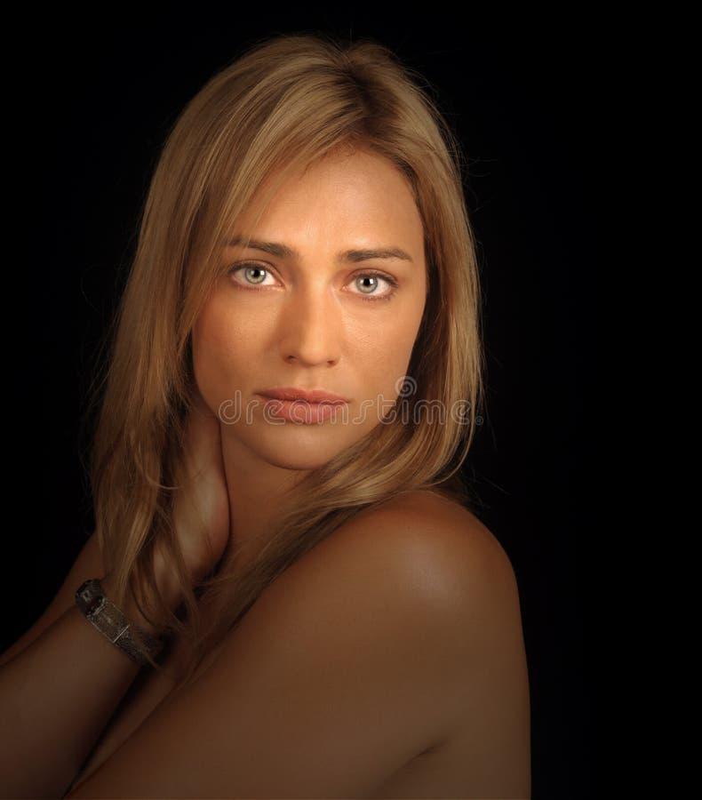 Ritratto di fascino di una donna fotografie stock libere da diritti