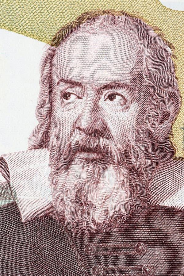 Ritratto di Galileo Galilei da soldi italiani fotografia stock