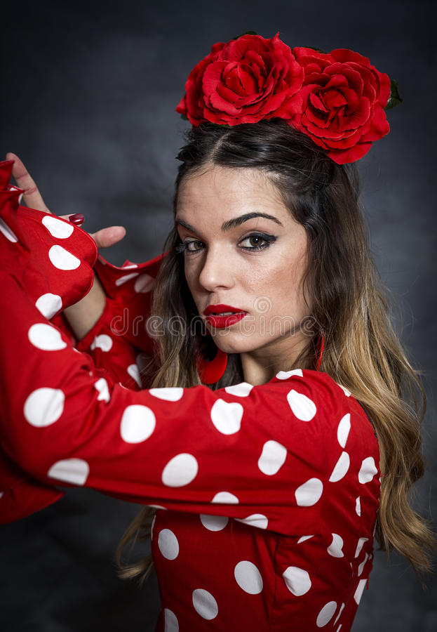 Ritratto di giovane ballerino di flamenco in bello vestito immagine stock libera da diritti
