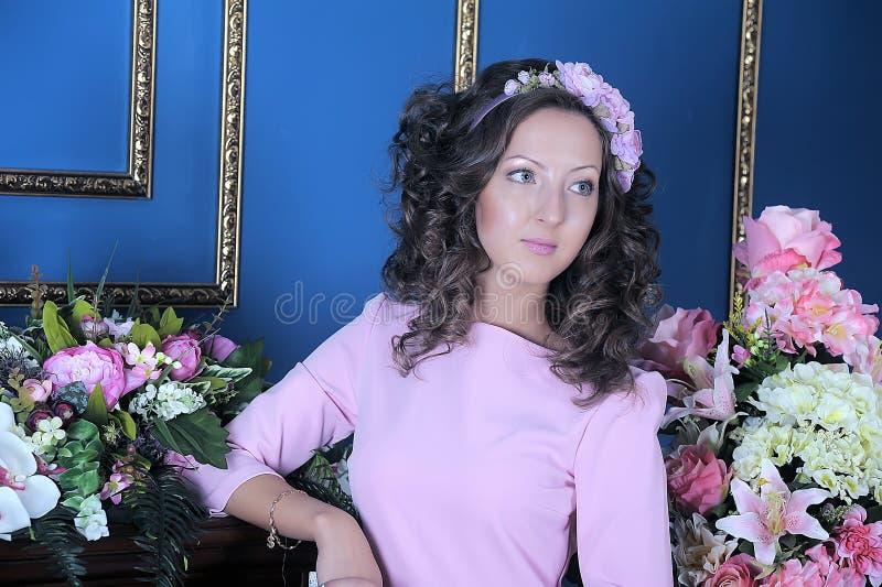 Ritratto di giovane brunette fotografia stock