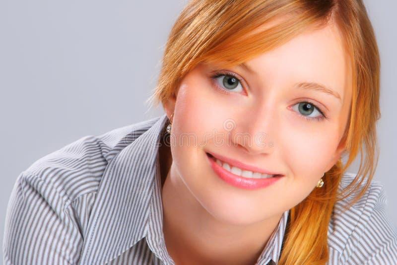 Ritratto di giovane donna fotografia stock