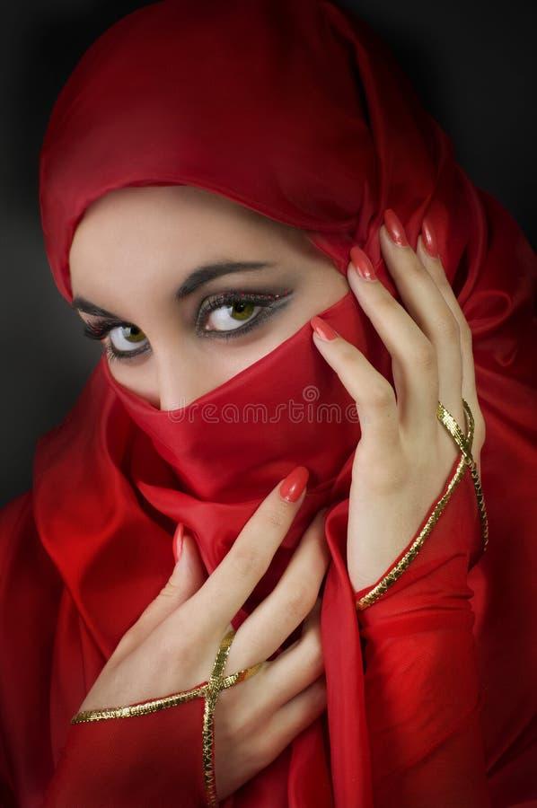 Ritratto di giovane ragazza araba fotografia stock