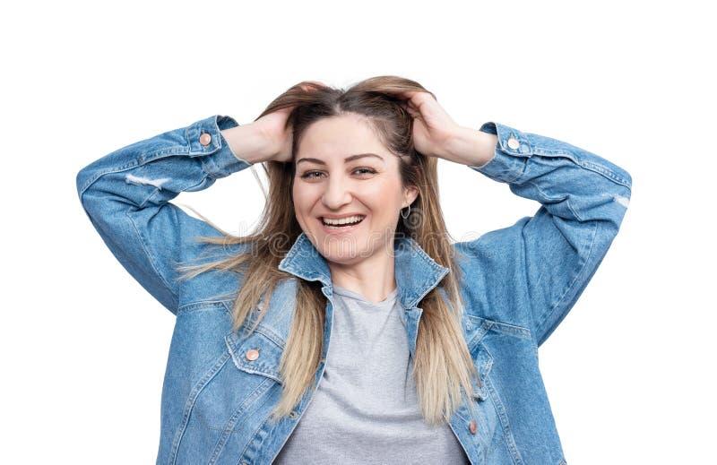 Ritratto di giovane ragazza sorridente felice, isolato su fondo bianco fotografie stock