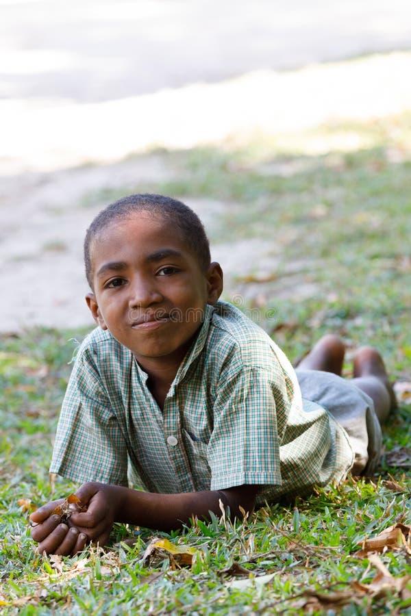Ritratto di giovane ragazzo malgascio dell'adolescente immagine stock libera da diritti