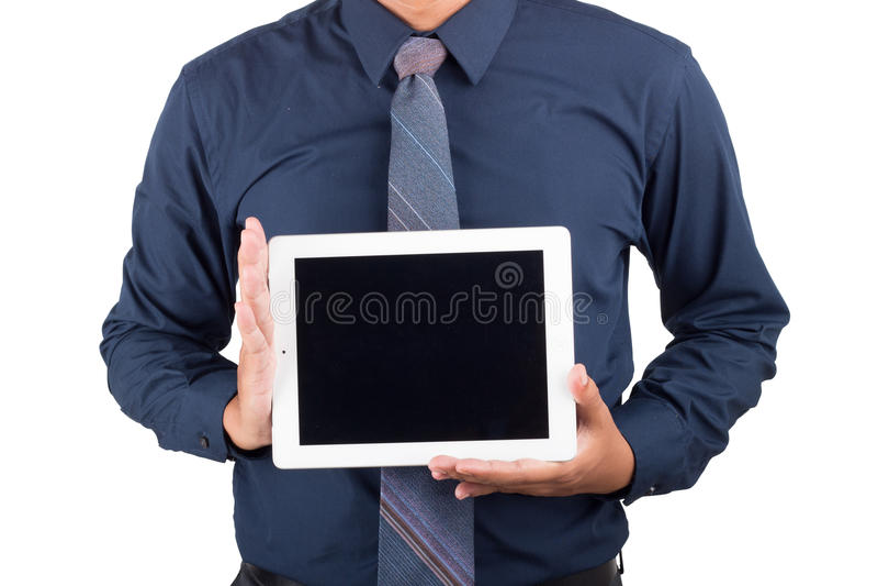 Ritratto di giovane uomo d'affari sorridente felice che mostra il pc in bianco di taplet immagini stock libere da diritti