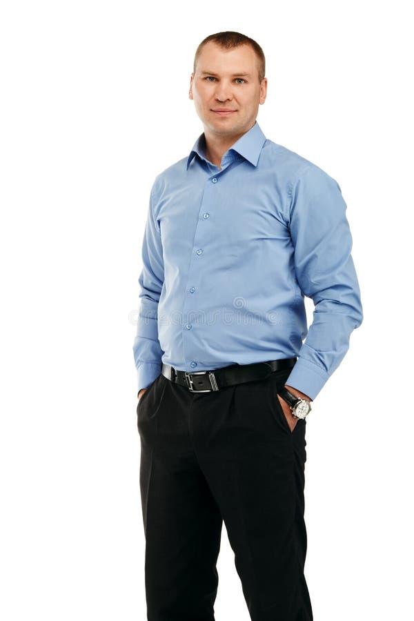 Ritratto di giovane uomo sorridente bello in uno streptococco rappresentativo fotografia stock libera da diritti