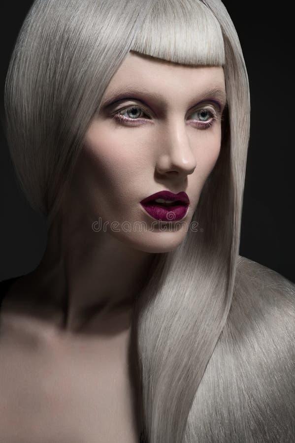 Ritratto di Losup di bella giovane donna immagini stock