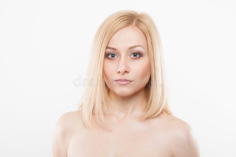 Ritratto di modo di bellezza con pelle naturale fotografia stock libera da diritti