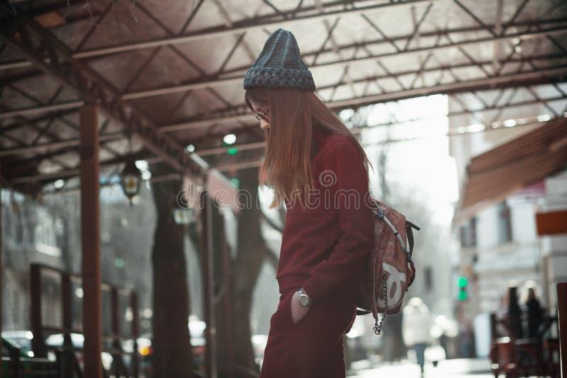 Ritratto di modo della via della ragazza fotografia stock