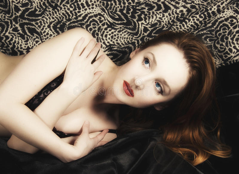 Ritratto di Pinup di giovane ragazza foxy fotografia stock