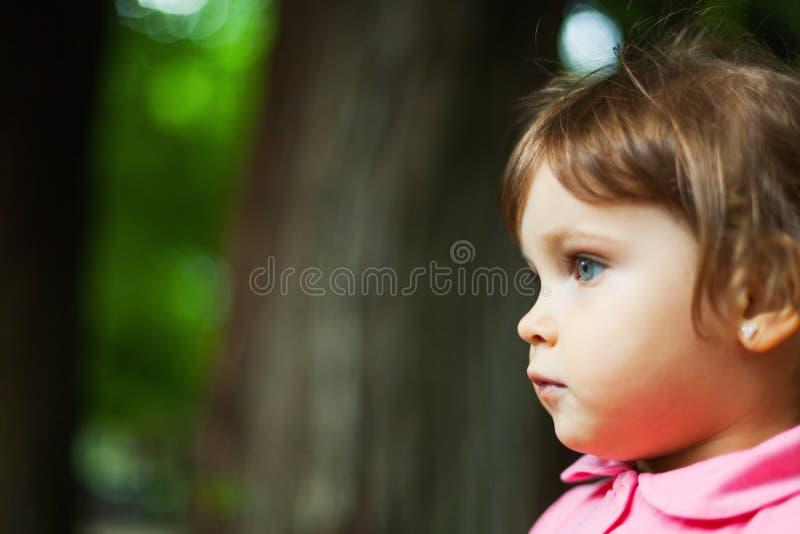 Ritratto di profilo della ragazza immagini stock