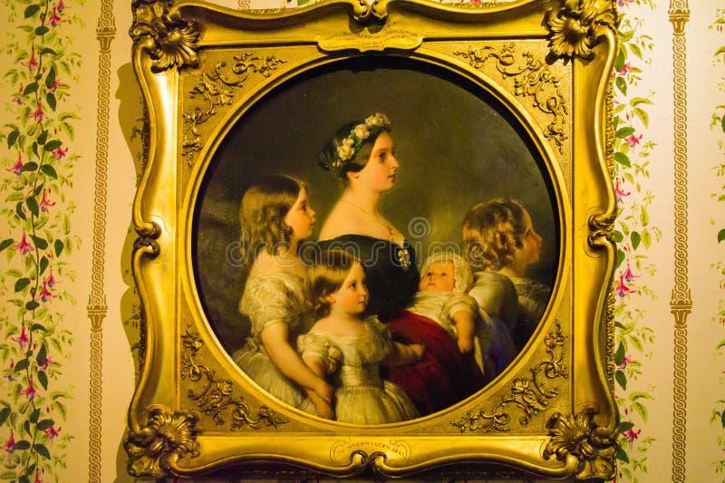 Ritratto di profilo della regina Victoria con quattro dei suoi bambini immagini stock