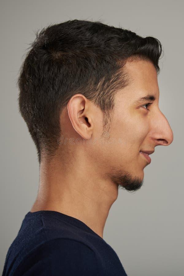 Ritratto di profilo di giovane uomo ispanico immagini stock libere da diritti
