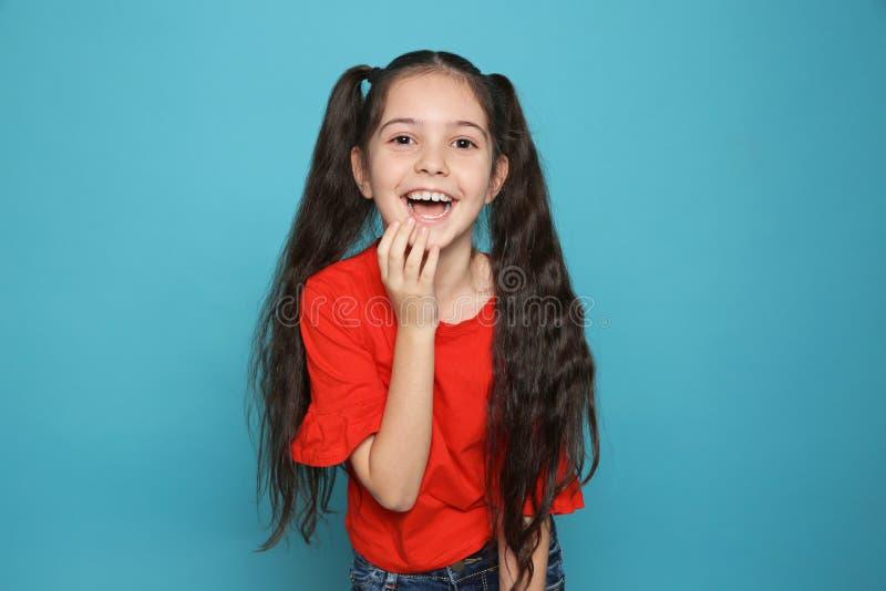 Ritratto di risata della bambina fotografie stock