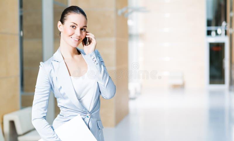 Ritratto di riuscita donna di affari immagine stock