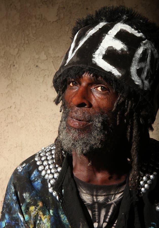 Ritratto di un afroamericano senza casa transitorio fotografia stock