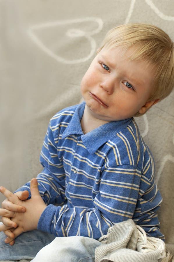Ritratto di un bambino gridante fotografia stock libera da diritti