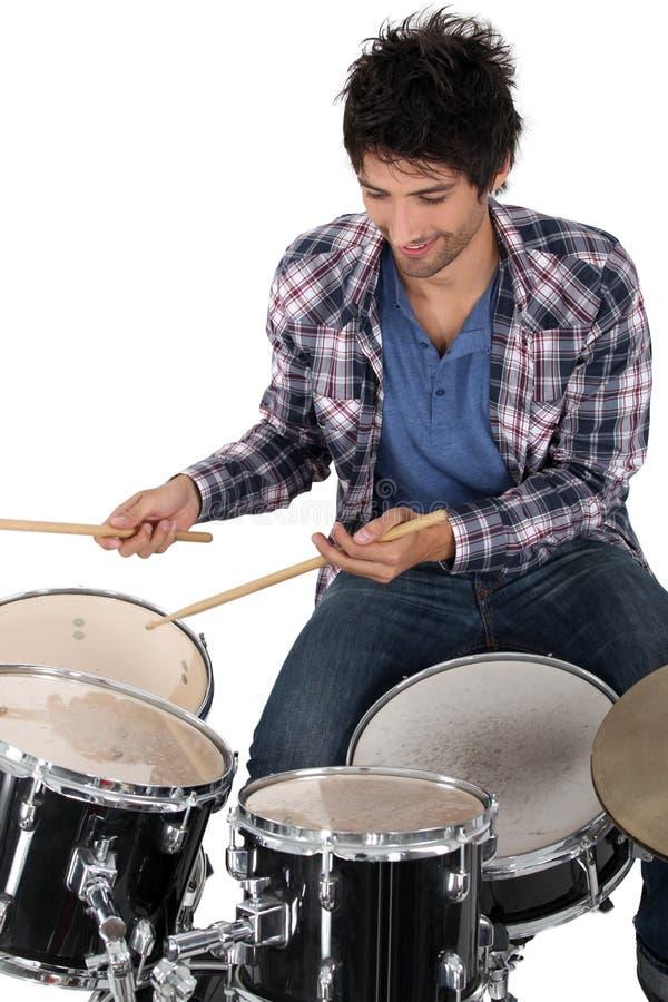 Ritratto di un batterista immagine stock