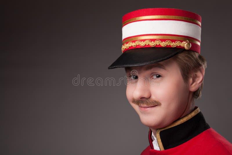 Ritratto di un concierge (portatore) fotografia stock libera da diritti