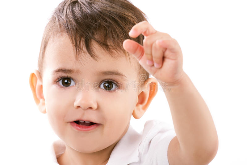 Ritratto di un ragazzino in modo divertente fotografie stock libere da diritti
