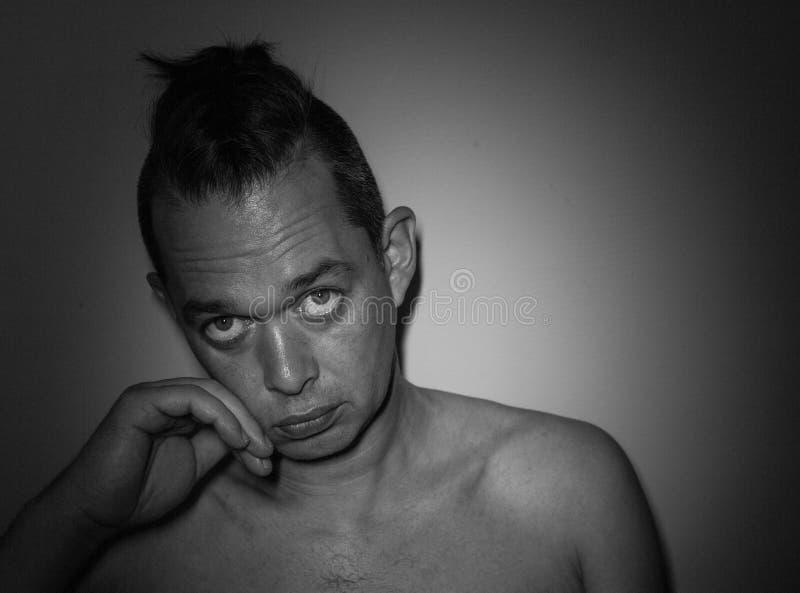 Ritratto di un uomo bello Foto in bianco e nero di Pechino, Cina Fondo immagine stock