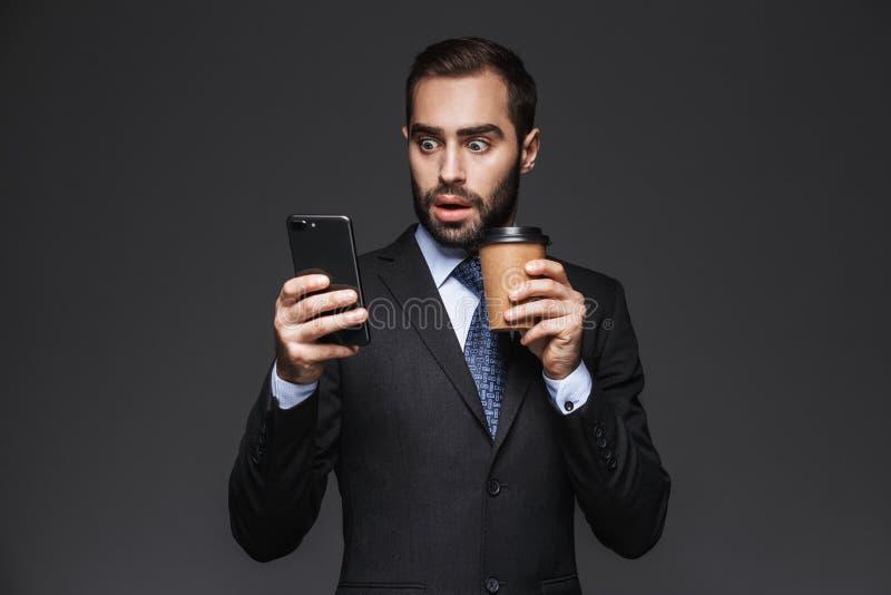 Ritratto di un uomo d'affari bello sicuro immagini stock libere da diritti