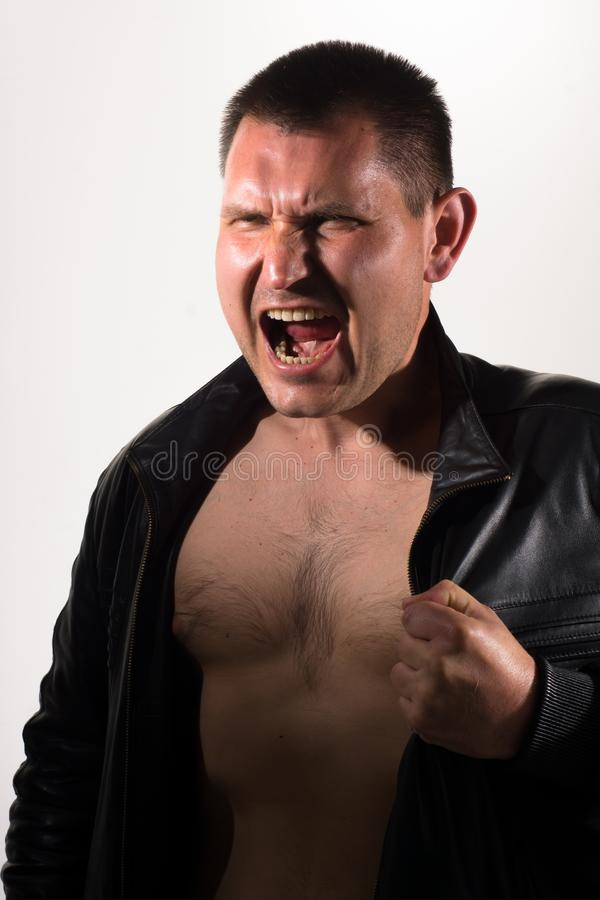 Ritratto di un uomo di grido fotografia stock libera da diritti