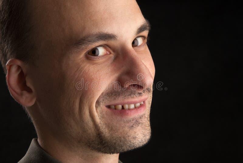 Ritratto di un uomo sorridente immagini stock libere da diritti