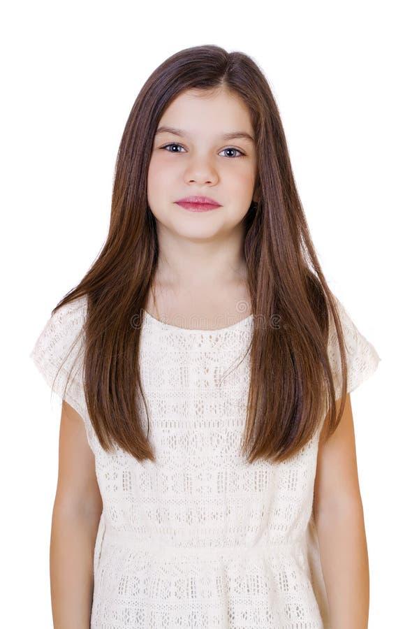 Ritratto di una bambina castana affascinante fotografia stock