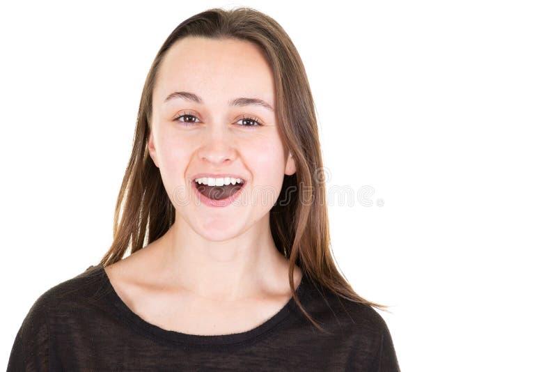 Ritratto di una bocca aperta della giovane donna graziosa emozionante fotografia stock libera da diritti