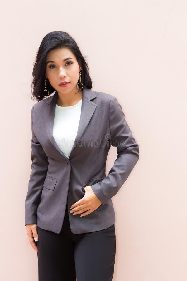 Ritratto di una donna di affari immagine stock libera da diritti