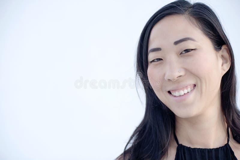Ritratto di una donna americana asiatica immagini stock libere da diritti